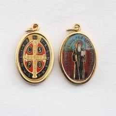 Aranyozott kétoldalas medál Szent Benedek és Szent Benedek címer képpel