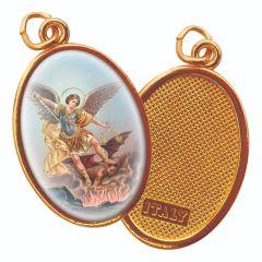 Aranyozott egyoldalas medál Szent Mihály főangyal képpel